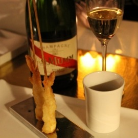 WHAT STARTERS CAN BE SERVED WITH CHAMPAGNE?